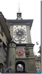 20190427_103420伯恩古城街道的時鐘塔--中世紀天文鐘1