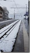 20190428_091046準備搭少女峰登山火車上少女峰,鐵道上積滿了雪