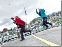 圖恩湖邊韓大哥和先生來場武功較勁,玩得不亦樂乎--這種超高技巧的照相是團員的傑作5