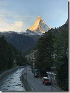 1556742172875這是第二天他們看道的馬特洪峰清晨美景,想像我也也看到了。