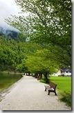 20190503_115333由紅蔥頭教堂下船處往後走有長長的林蔭大道,如果有時間坐在長椅上吹吹風、沉思或是看看書消磨悠閒的午後時光,真是人生一大快樂,當然對於光光客是不可能的。