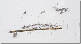 20190428_151544行駛於瑞士少女峰頂的火車1