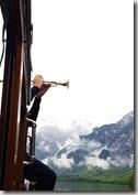 20190503_091645船上有吹喇叭表演,會引起許多次的回音。1