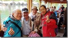 20190503_124231由上湖區坐船回航時,碰到一團由美國加拿大互相邀約來此度假的老人團,和其中一對夫婦相談甚歡,留影紀念這段雖短暫但是難得的緣份。
