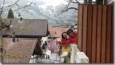 20190427_191943少女峰住宿旅館正對少女峰美麗的景色--我們的左右鄰居