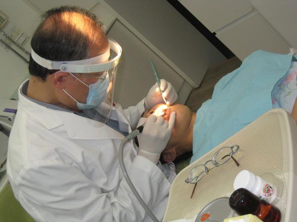 2009.11.29看牙記3.jpg