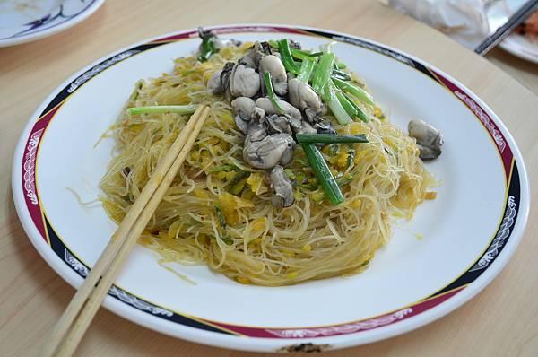 Day1_龍門海鮮餐廳-炒米粉.JPG