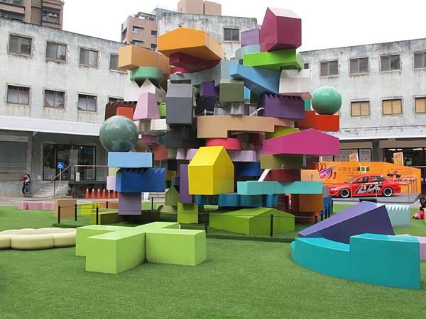 2.2堆疊夢想與理想的進化城市,戶外垂直村落模型