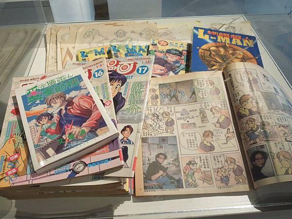 展覽中陳列著艾雷迪老師的歷年作品