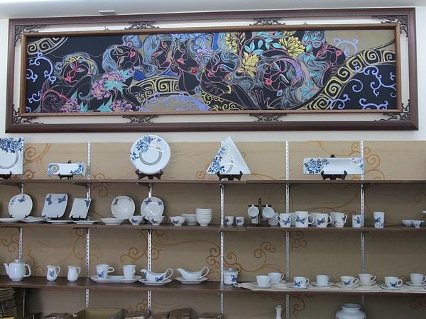 3.楊莉莉的青花杯盤,細膩又雅致。