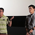影展播畢後,邀請到群園基金會-曾文德社工與紀錄片張明右導演