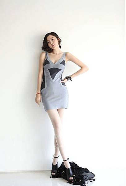 Elastic bandage_Body line dress15.jpg