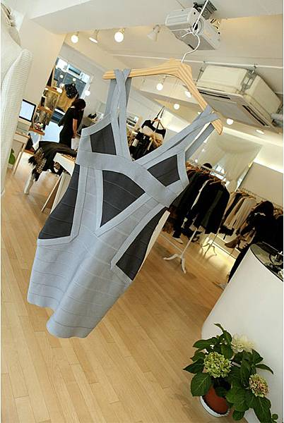 Elastic bandage_Body line dress13.jpg