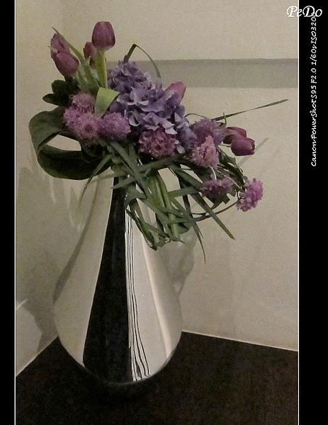 樓梯角花飾