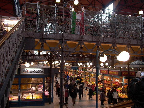 二樓是賣手工藝品