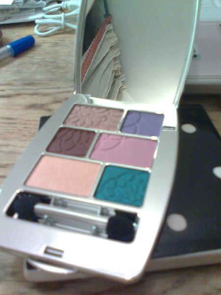 eyeshadow closer look.jpg