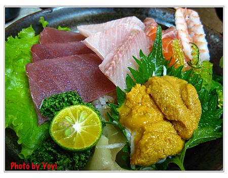 阿宏日式料理08(海膽鮮魚蓋飯220)
