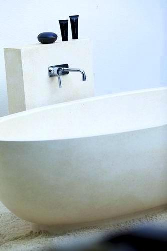 調整大小Alila_Villas_Hadahaa_-_Interior_elements_(outdoor_bath) (H).jpg