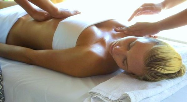 調整大小Alila_Villas_Hadahaa_-_Spa_by_Mandara_-_masage.jpg