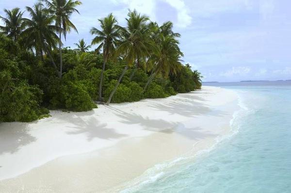 調整大小Hadahaa's_southern_beach_(landscape) (H).jpg