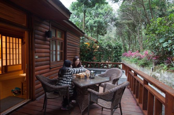 八仙山莊木屋小庭園