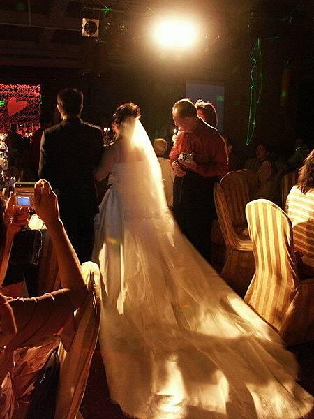 新娘這個背影不錯