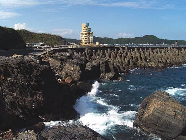 豆腐岬 - 遊客中心與海岸