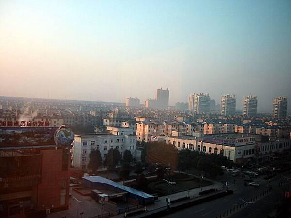 2007.01.08 上海南橋鎮浪淘沙飯店窗外遠眺