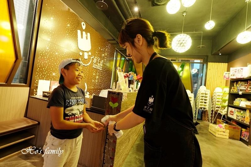 夢工場親子主題餐廳2.JPG