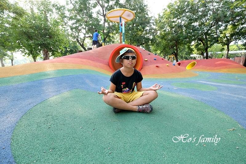 蓮池潭兒童公園10.JPG