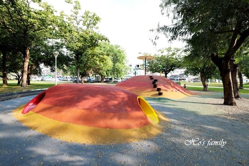 蓮池潭兒童公園11.JPG