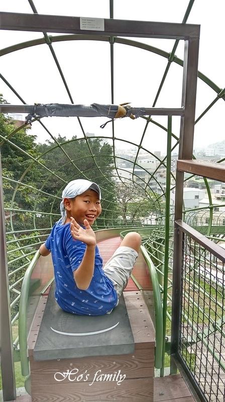 高雄新景點哈瑪星滾輪溜滑梯12.jpg