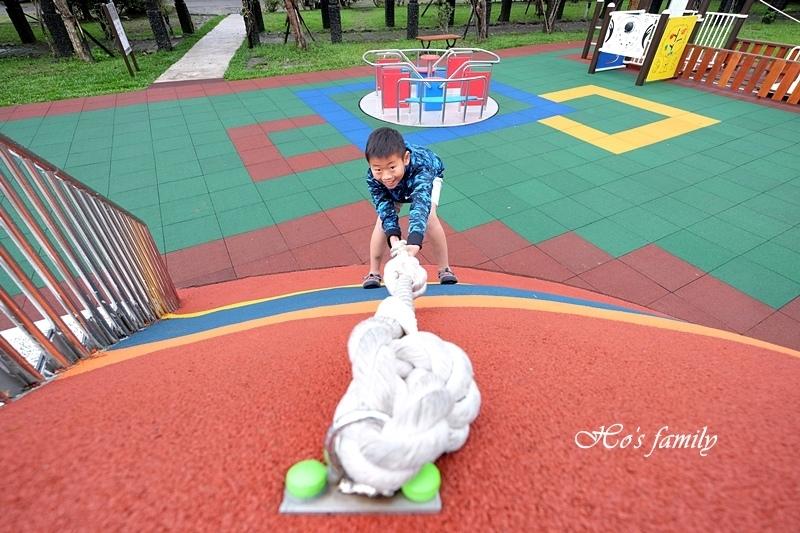 頭城運動公園兒童遊戲場3.JPG