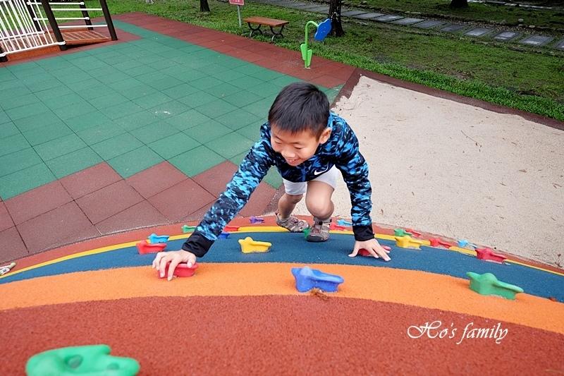 頭城運動公園兒童遊戲場9.JPG