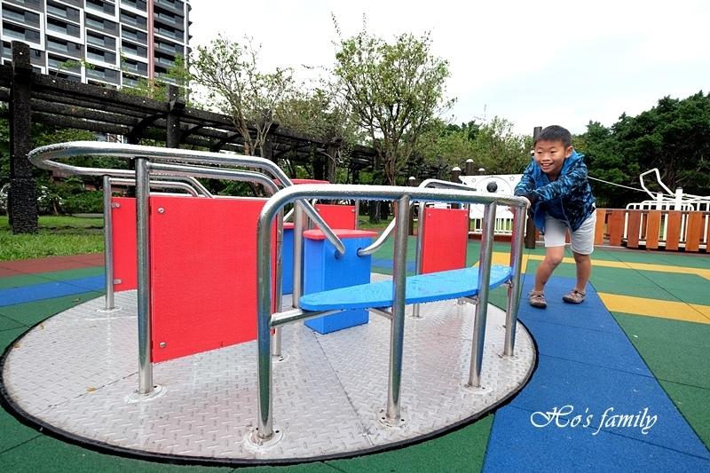 頭城運動公園兒童遊戲場12.JPG