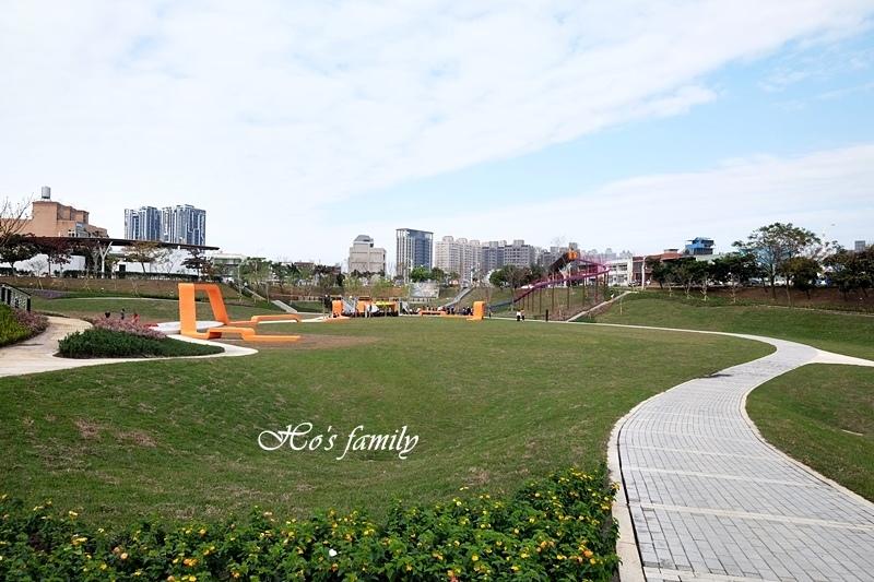【桃園特色公園】風禾公園滾輪溜滑梯1.JPG