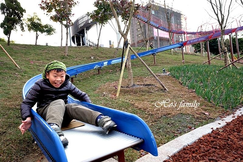【桃園特色公園】風禾公園滾輪溜滑梯14.JPG