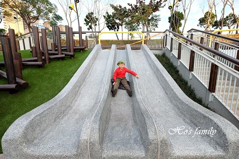 【桃園特色公園】風禾公園滾輪溜滑梯24.JPG