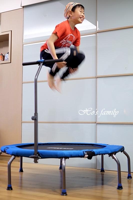 【育兒好物好物】Fitwell全能跳彈跳床20.JPG