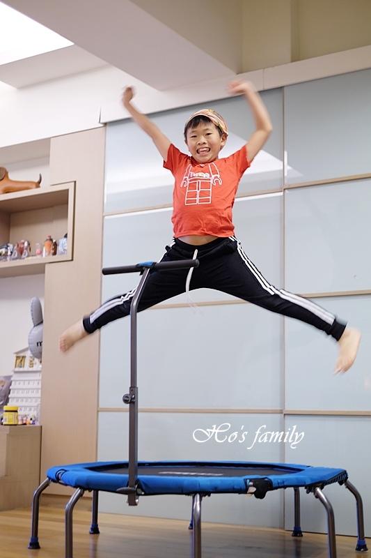 【育兒好物好物】Fitwell全能跳彈跳床21.JPG