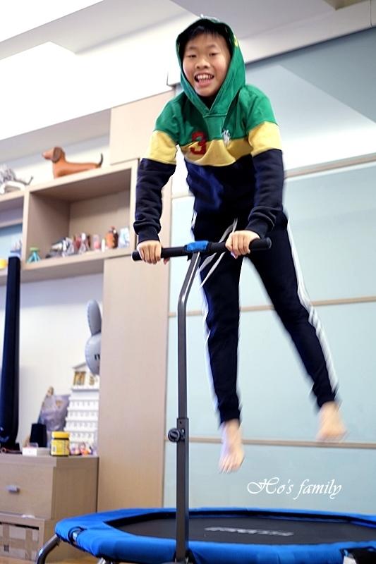 【育兒好物好物】Fitwell全能跳彈跳床23.JPG