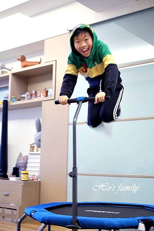 【育兒好物好物】Fitwell全能跳彈跳床24.JPG