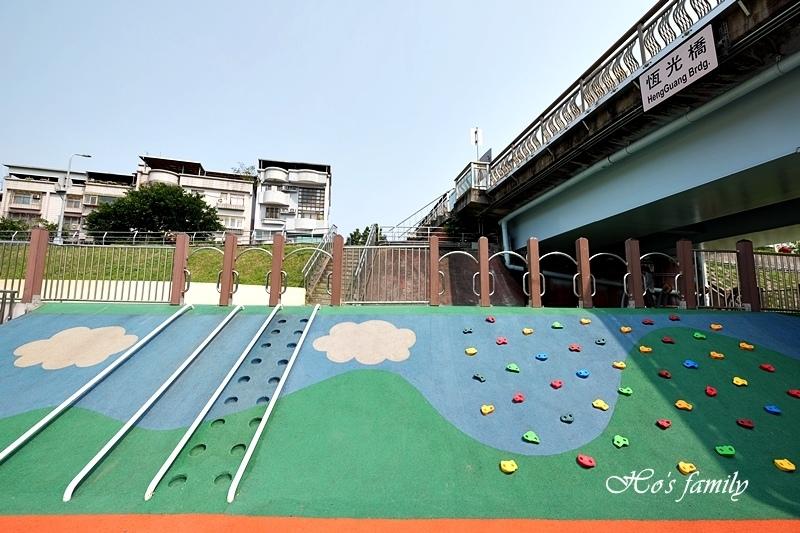 【台北木柵特色公園】道南河濱公園遊戲場7.JPG
