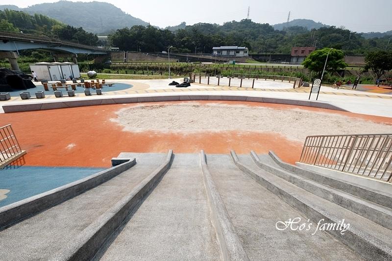 【台北木柵特色公園】道南河濱公園遊戲場12.JPG