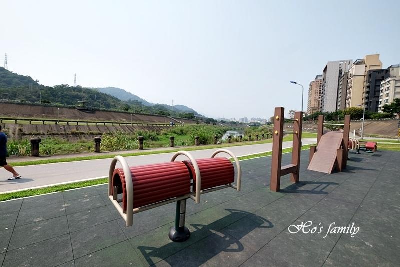【台北木柵特色公園】道南河濱公園遊戲場28.JPG