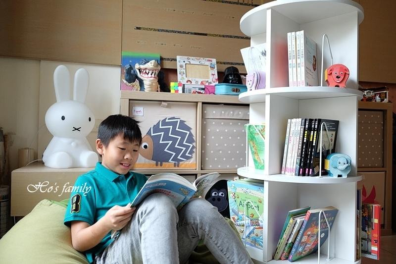 【兒童書櫃推薦】MIT第一博士360度旋轉書櫃刊頭.JPG