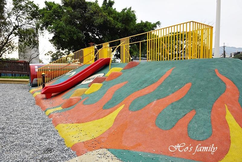 【新北鶯歌親子公園】鶯歌古鐘樓公園30.JPG