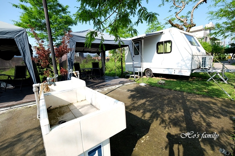 【羅東夜市民宿】薩爾茨堡渡假莊園露營車6.JPG