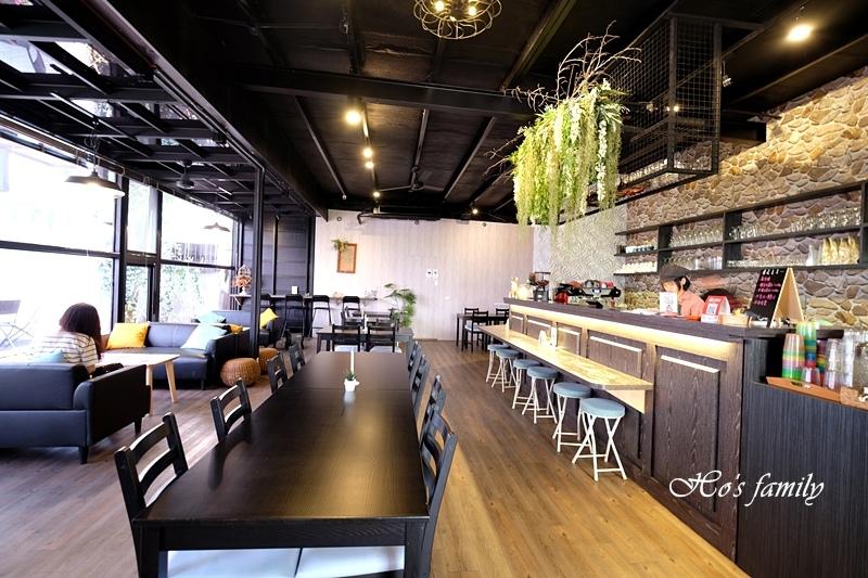 【宜蘭市親子友善餐廳】熊與喵咖啡2.JPG