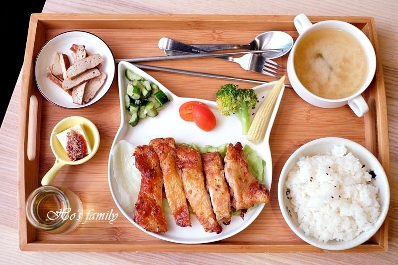 【宜蘭市親子友善餐廳】熊與喵咖啡27.JPG